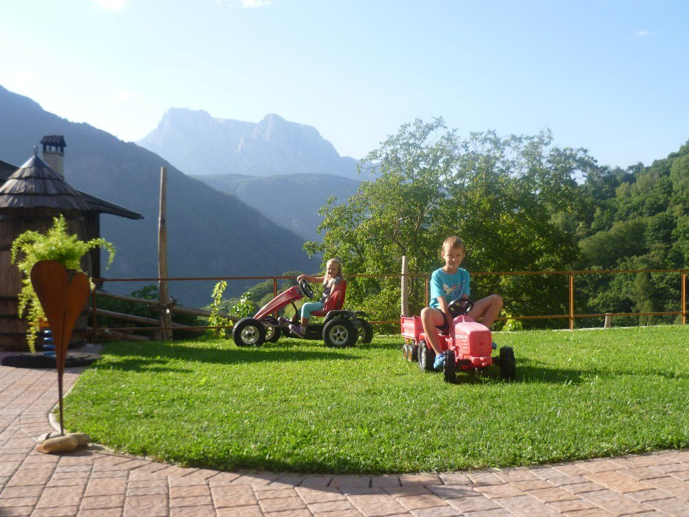 Marxhof a Barbiano: vacanza con i bambini in agriturismo